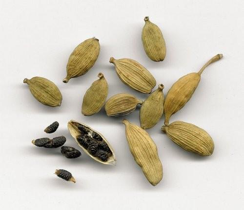 Black Cardamom Pods 400g