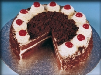 Budget Black Forest Gateau 14ptn