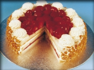 Whole Budget Strawberry Gateau 14ptn