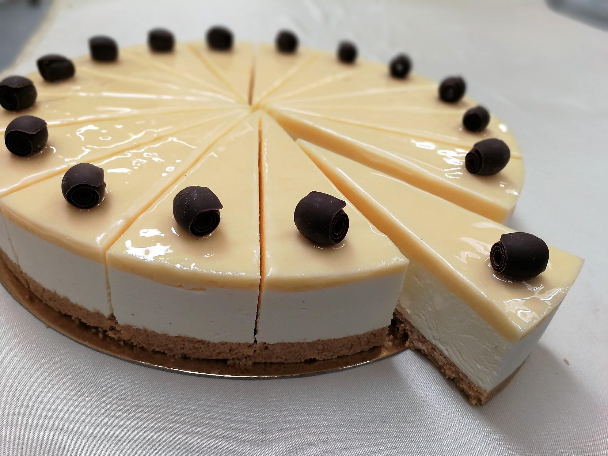 Lemon Curd Cheesecake 16 Presliced Portions